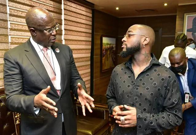 Nigerian singer, David Adeleke, aka, Davido, has paid a visit to Nigeria's Minister of State for Petroleum Resources, Timipre Sylva.